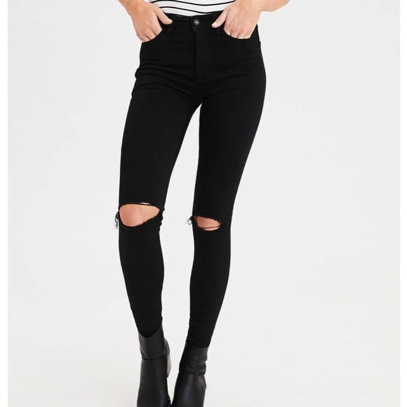 Black knee slashed jeans